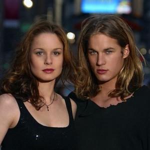 Sarah Wayne Callies and Travis Fimmel