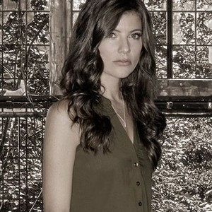 Devin Kelley as Maggie Langston