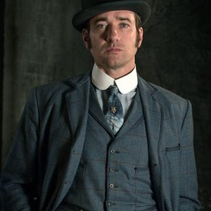 Matthew MacFadyen as Inspector Edmund Reid