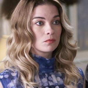 Annie Murphy as Alexis Rose