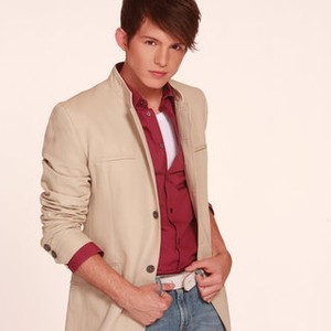 how old is simon curtis