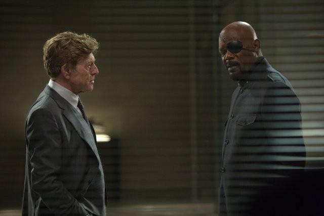 Nick Fury dan S.H.I.E.L.D. dijebak oleh Alexander Pierce yang ternyata anggota dari Hydra.