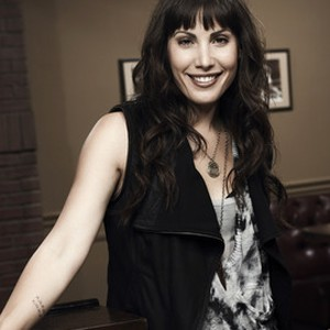 Carly Pope as Lucinda Pearl