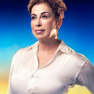 Roma Maffia as Dr. Liz Cruz