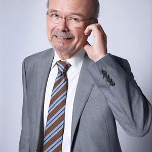 Kurtwood Smith as Mr. Claret