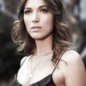 Natalie Zea as Winona Hawkins