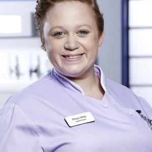 Amanda Henderson as Robyn Miller