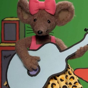 Scratchy is voiced by Sharon Duncan-Brewster
