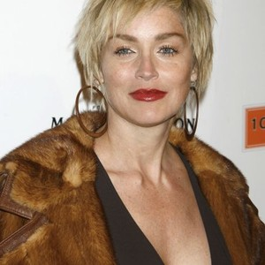 sharon-stone-is-bisexual-mom-and-dad-in-wwe-naked-do-sex