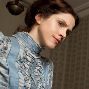 Amanda Hale as Emily Reid