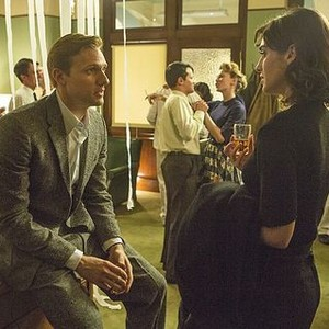 Masters of Sex (season 2, episode 2): Teddy Sears as Dr. Austin Langham and Lizzy Caplan as Virginia Johnson