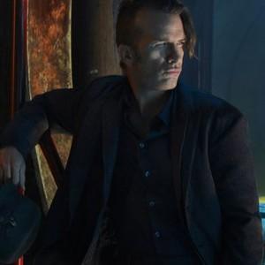 Thomas Jane as Detective Joe Miller