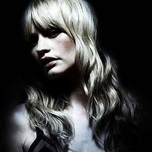 Cameron Richardson as Chloe Carter