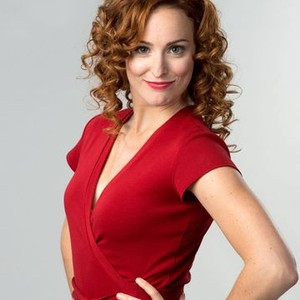 Carrie-Lynn Neales as Rose Maybely