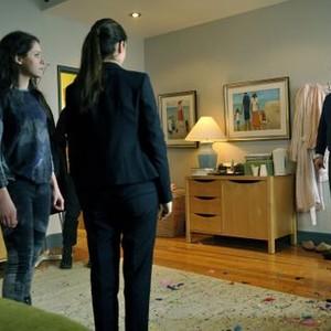 Orphan Black: Season 2, Episode 7, Alison (Tatiany Maslany), Sarah (Tatiana Maslany) and Donnie (Kristian Bruun)