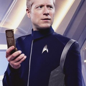 Anthony Rapp as Lieutenant Paul Stamets