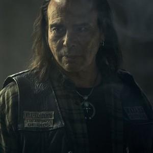 """Raoul Max Trujillo as Che """"Taza"""" Romero"""