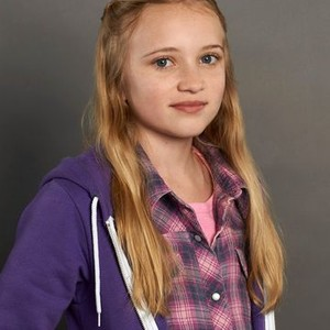 Belle Shouse as Abby Crawford