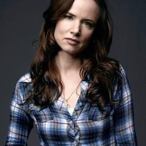 Juliette Lewis as Beverly