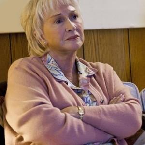 Diane Ladd as Helen Jellicoe
