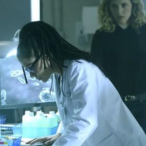 Orphan Black: Season 2, Episode 8, Cosima (Tatiana Maslany) and Delphine (Evelyne Brochu)