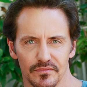 Charles Mesure as Ben Faulkner