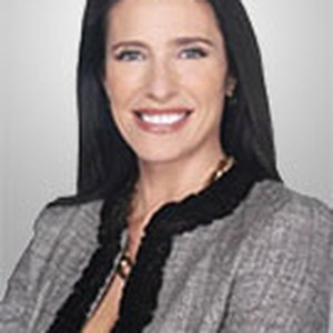 Mimi Rogers as Special Agent Diana Fowley