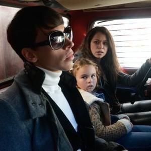 Orphan Black: Season 2, Episode 2, Felix (Jordan Gavaris), Sarah (Tatiana Maslany) and Kira (Skyler Wexler)
